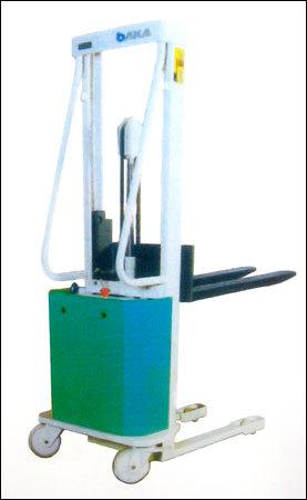 Semi Electric Stackers in  Karampura