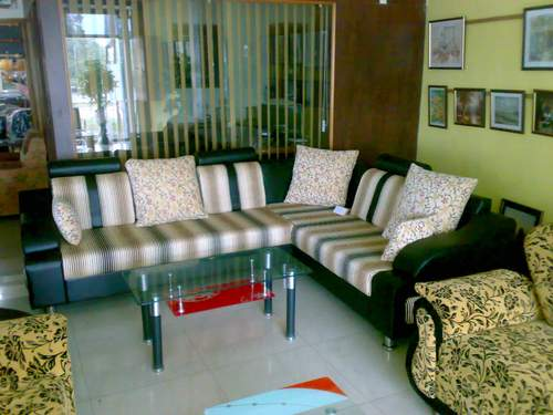 Designer living room sofa set in naroda road ahmedabad for Drawing room furniture set