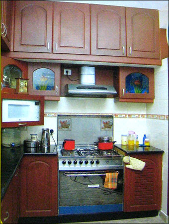 modular kitchen cabinets in bungalow road cholavaram