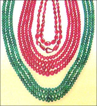 Ruby Emerald Colour Stone Beads in  Kishanpole Bazaar