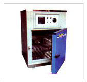 Memmert Type Universal Oven in  Jhilmil Res. Colony (Shahdara)