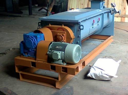 Twin Rotor Molasses Mixer