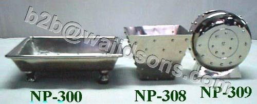 Soap Dish Nickel Plated With Feet Rectangular