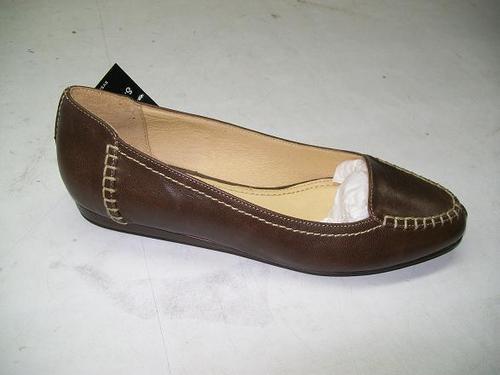 Ladies Flat Shoes in   Moti Lal Nehru Road