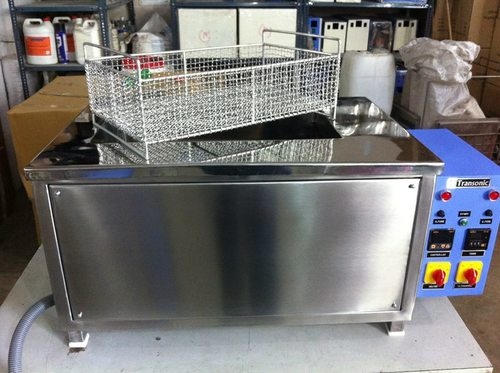 Ultrasonic Cleaning Machine in  6-Sector