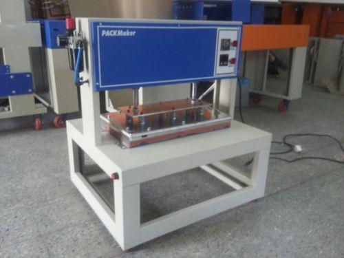Lighter Packing Machine in  Atika