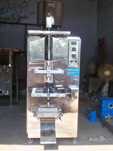 Pouch Filling Machine in  Gota
