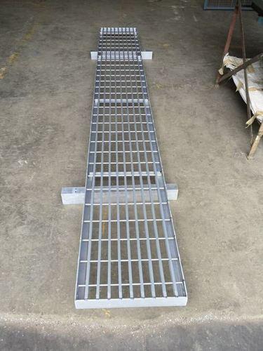 Aluminum Walkways Gratings in  Mahim