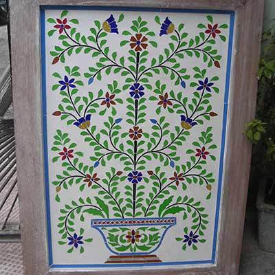 Thikri Color Glass Panel in  Hiran Magri