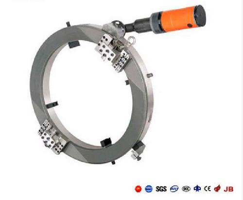 Hydraulic pipe tube cold cutting and beveling machine