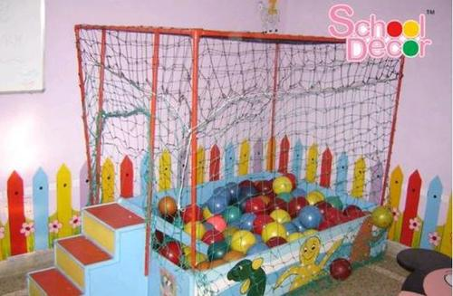 Wooden Ball Pool With Iron Frame in  Laxmi Nagar