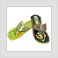 Ladies Leather Kohlapuri Chappals