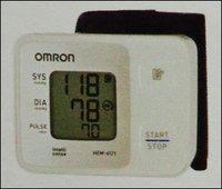 Blood Pressure Monitor (Hem-6121)