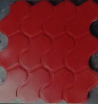 Plastic And Iron Moulds (Lew-37)