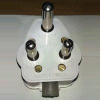 16 AMP 3 Pin Plugs