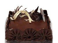 Rich Chocolate Truffle Cake