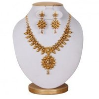 Women Fashion Necklace-Gold Color Stone Flower Design With Earring