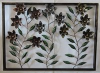 Decorative Flower Design Metal Wall Hanging