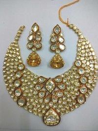 Entic Kundan Theva