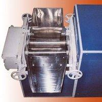 Triple Roller Mill Machine