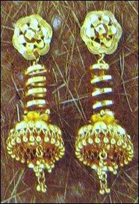 Fashionable Gold Ladies Jhumkis