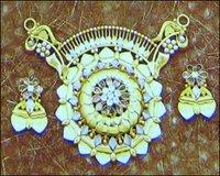 Fancy Gold Ladies Pendant Set
