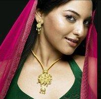 Designer Ladies Gold Necklace
