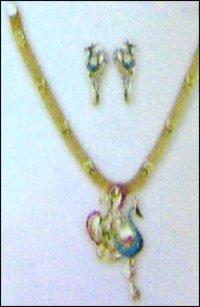 Womens Designer Gold Necklace Set