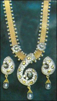 Womens Gold Necklace Set