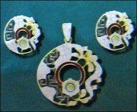 Cz Classic Gold Pendant Set
