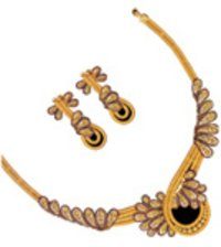 Ladies Gold Necklace Set