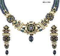 Womens Kundan Necklace Set