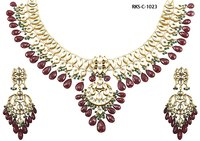 Ethnic Kundan Necklace Set