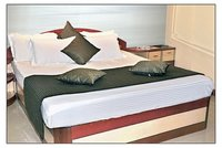 Bed Runners With Cushion Covers