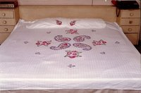 Painted Double Bedsheets With 2 Pillows