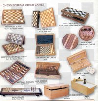 Travel Series Round Magnetic Chess Set