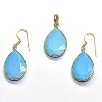 Turquoise Earring With Pendant