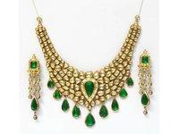 Kundan And Polki Gold Necklace Set