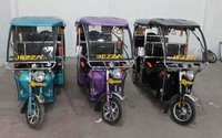 Battery Operated Auto Rickshaw