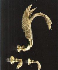 Gold PVD Finish 3 PC Swan Bathtub Faucet