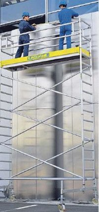 Mobile Scaffold With Chassis Beam