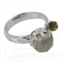 925 Sterling Silver Ring With Peridot