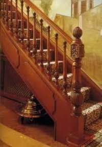 Wooden Staircase Pillers