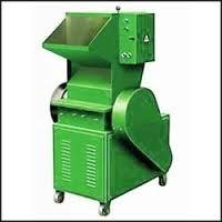 Plastic Pulverizing Machine