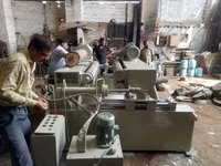 Spindleless Log Veneer Peeling Machines
